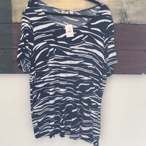 Cato Top w/layers size 22/24w